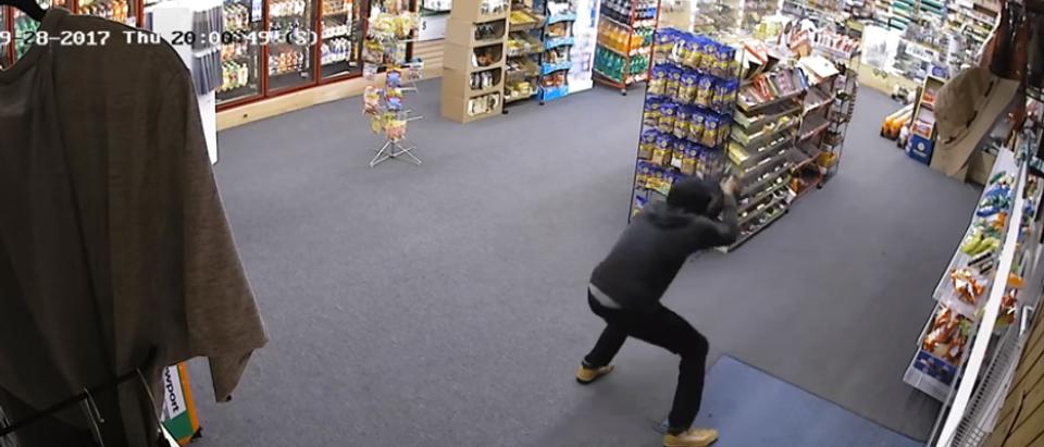 The robber (Screenshot).