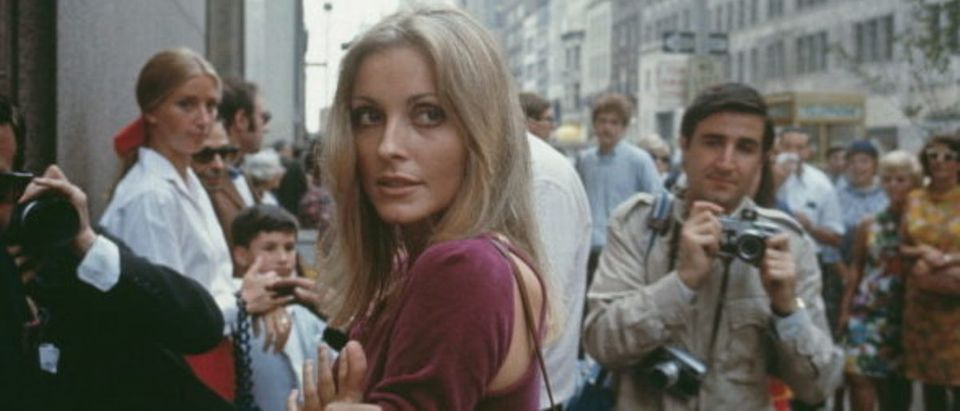 American actress Sharon Tate (1943 - 1969) visiting the set of her husband, Roman Polanski's film 'Rosemary's Baby', New York City, August 1967. (Photo by Santi Visalli/Archive Photos/Getty Images)