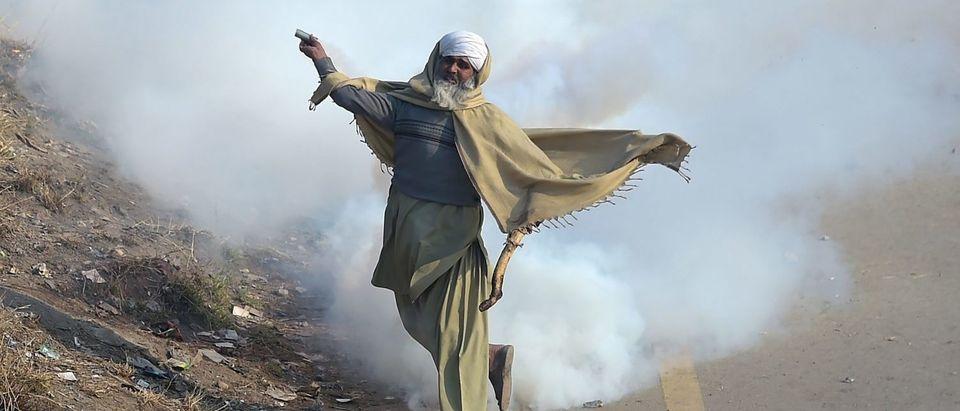 TOPSHOT-PAKISTAN-UNREST-RELIGION-PROTEST