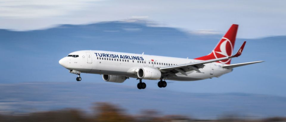 A Boeing 737-800 commercial plane registration TC-JVL of Turkish Airlines is seen landing at Geneva Airport on November 20, 2017 in Geneva. (Photo: FABRICE COFFRINI/AFP/Getty Images)
