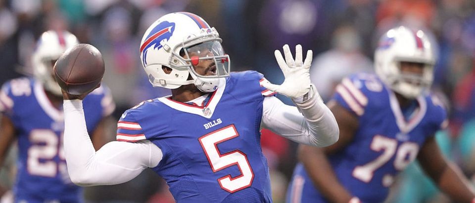 ORCHARD PARK, NY - DECEMBER 24: Tyrod Taylor #5 of the Buffalo Bills looks throw against the Miami Dolphins during the first half at New Era Stadium on December 24, 2016 in Orchard Park, New York. (Photo by Brett Carlsen/Getty Images)