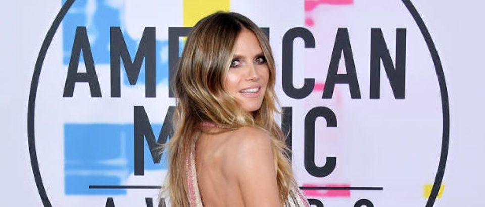 Heidi Klum attends the 2017 American Music Awards at Microsoft Theater on November 19, 2017 in Los Angeles. (Photo by Neilson Barnard/Getty Images)