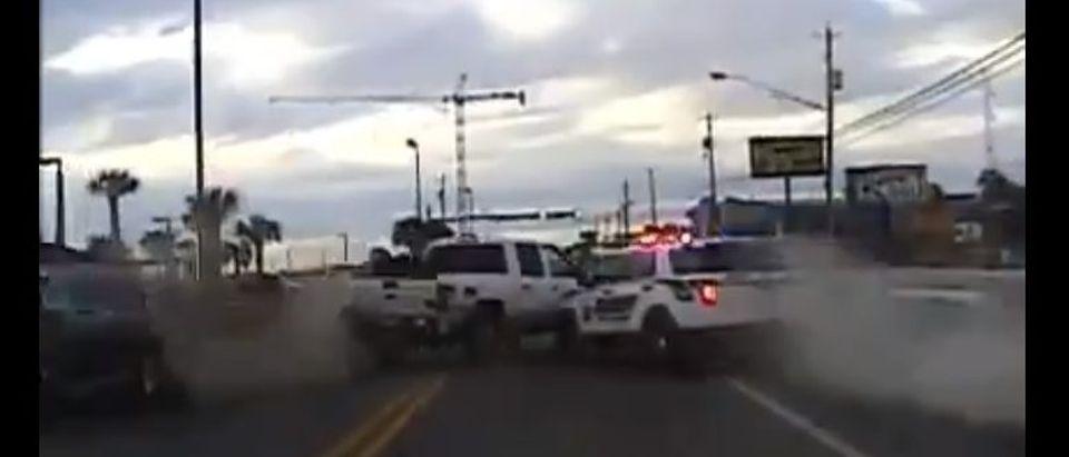 The car chase (Screenshot / LiveLeak)