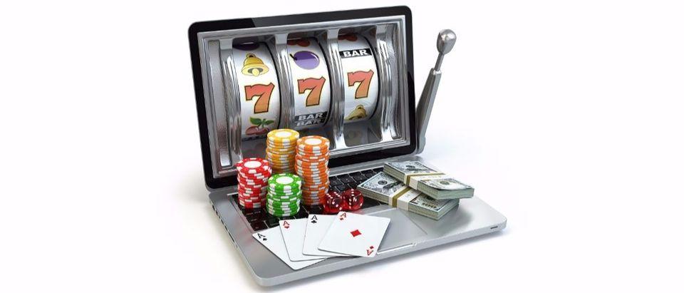 online gambling Shutterstock/Maxx-Studio