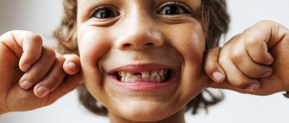 kid teeth Shutterstock/valbar