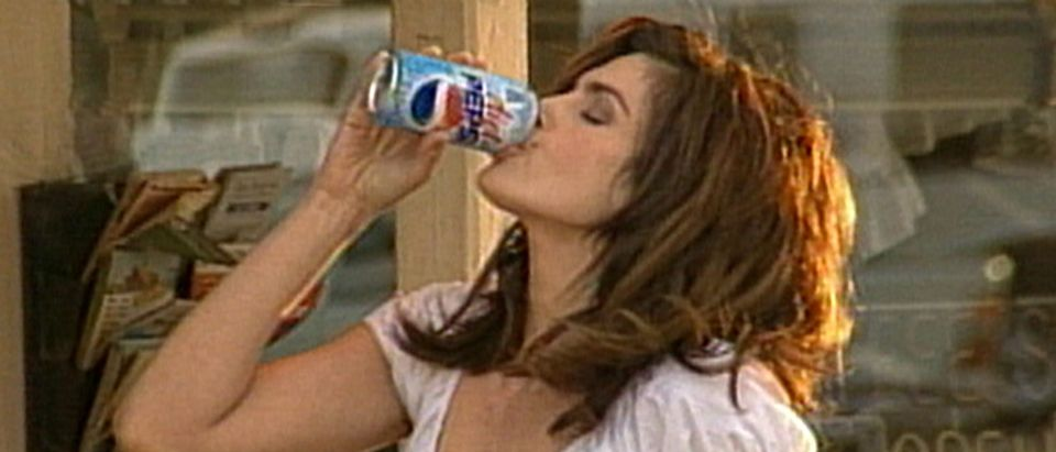 Cindy_Crawford_Pepsi_commercial