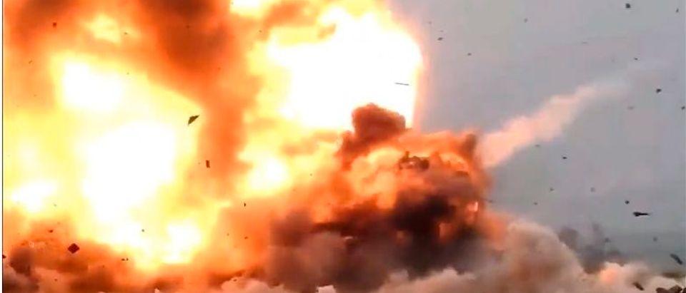 The VBIED explodes (Liveleak / Screenshot)