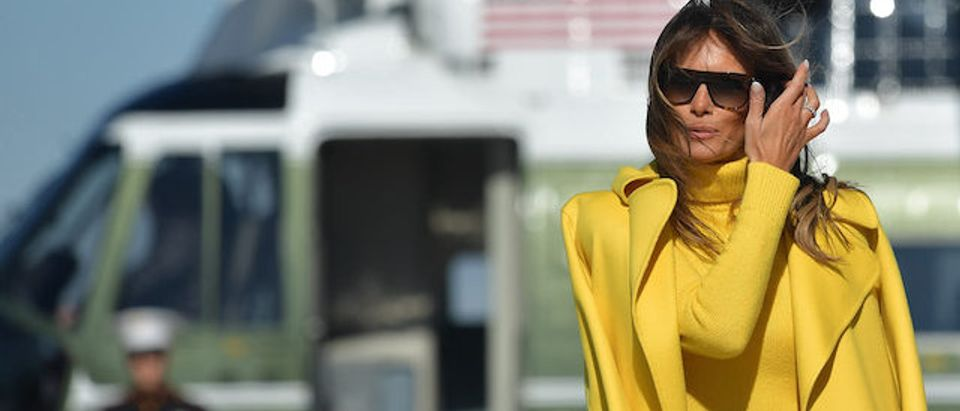 US First Lady Melania Trump arrives to board Air Force 1 on her way to Cincinnati, Ohio, at Andrews Air Force Base outside Washington DC on February 05, 2018. / AFP PHOTO / MANDEL NGAN (Photo credit should read MANDEL NGAN/AFP/Getty Images)