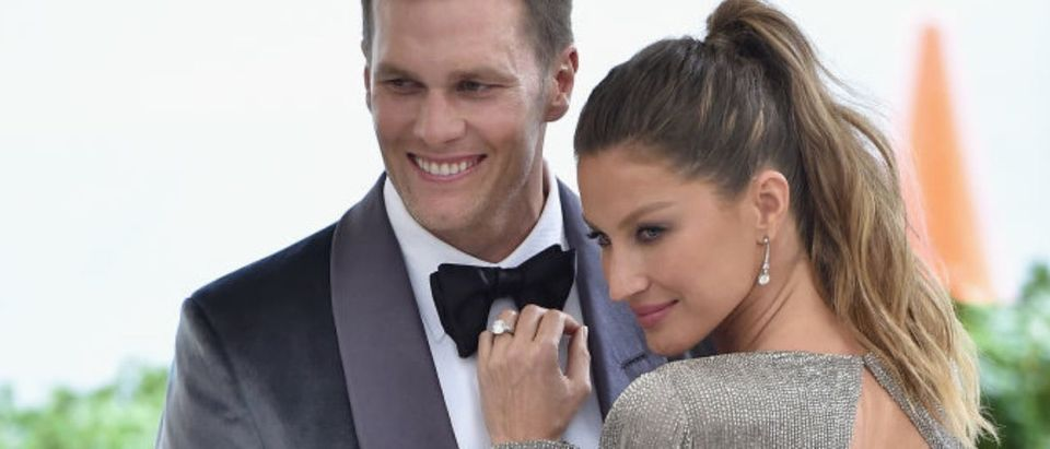 """Tom Brady (L) and Gisele Bundchen attend the """"Rei Kawakubo/Comme des Garcons: Art Of The In-Between"""" Costume Institute Gala at Metropolitan Museum of Art on May 1, 2017 in New York City. (Photo by Theo Wargo/Getty Images For US Weekly)"""