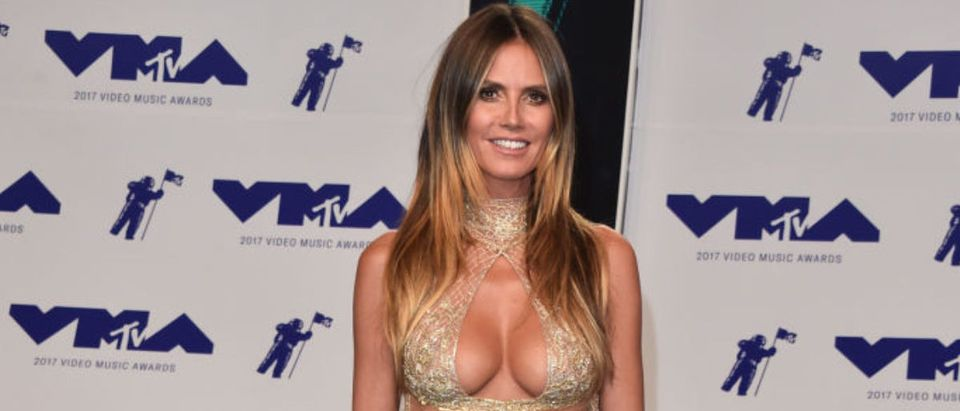 Heidi Klum attends the 2017 MTV Video Music Awards at The Forum on August 27, 2017 in Inglewood, California. (Photo by Alberto E. Rodriguez/Getty Images)