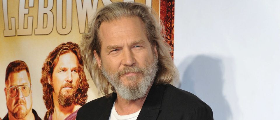 """Actpr Jeff Bridges attends """"The Big Lebowski"""" Blu-ray release at the Hammerstein Ballroom on August 16, 2011 in New York City. (Photo by Mike Coppola/Getty Images)"""