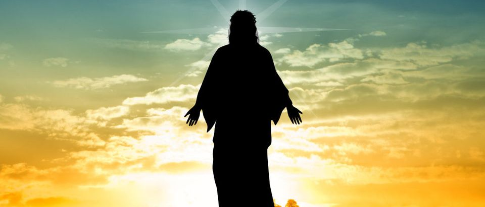 Jesus At Sunset -ShutterStock Sogno Lucido
