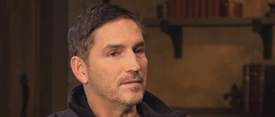Jim Caviezel (screengrab - World Over - 2018-03-22 - Jim Caviezel, 'Paul, Apostle of Christ', EXCLUSIVE with Raymond Arroyo)