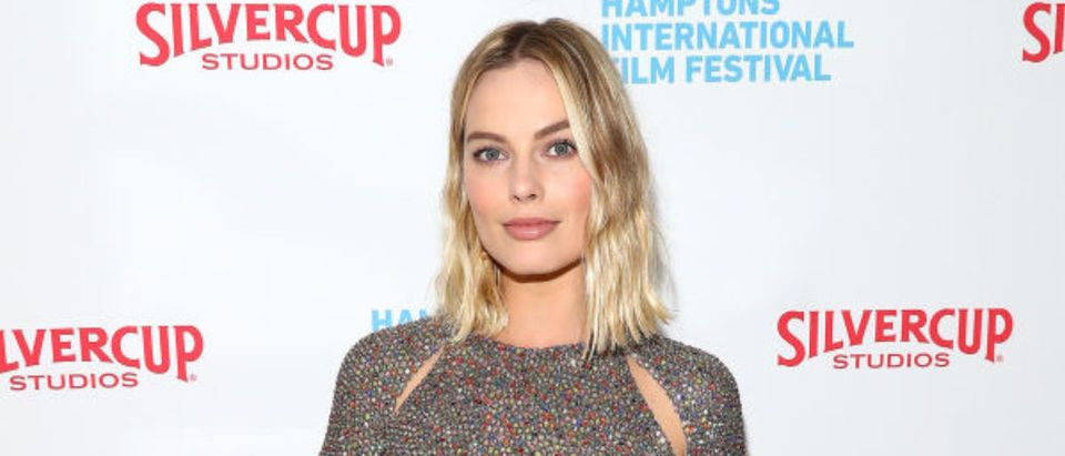EAST HAMPTON, NY - OCTOBER 09: Actress Margot Robbie attends the red carpet for ' I, Tonya' at Guild Hall during Hamptons International Film Festival 2017 - Day Four on October 8, 2017 in East Hampton, New York. (Photo by Astrid Stawiarz/Getty Images for Hamptons International Film Festival)