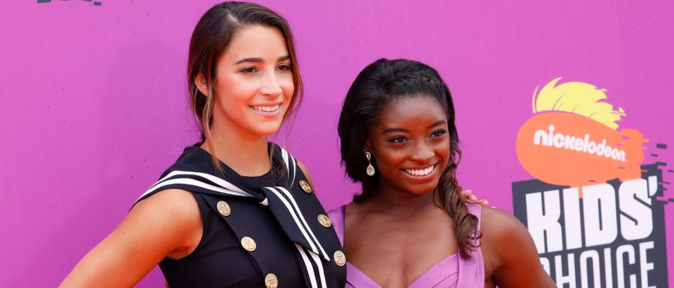 2017 Kids Choice Sport Awards Arrivals Los Angeles, California, U.S., 13/07/2017 - Olympic gymnasts Aly Raisman (L) and Simone Biles. REUTERS/Patrick T. Fallon | MSU Monitored Larry Nassar's Victims