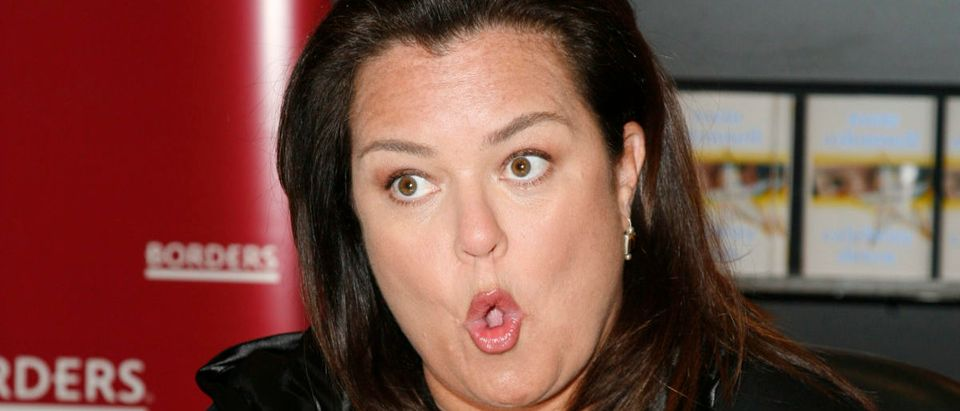 "Rosie O'Donnell signs ""Celebrity Detox"" at Borders Books & Music"