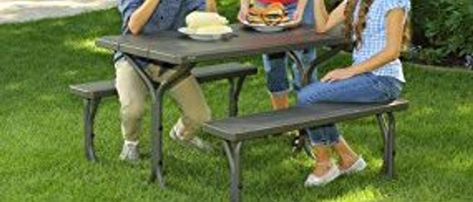 Lifetime picnic table (Photo via Amazon)