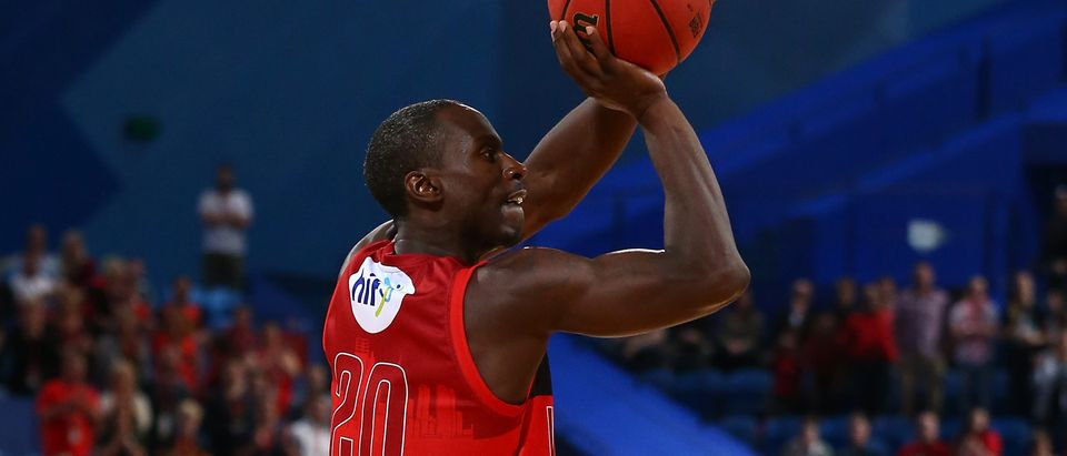 Andre Ingram of the Wildcats shoots a three pointer during the round three NBL match between the Perth Wildcats and the Illawarra Hawks at Perth Arena on October 21, 2016 in Perth, Australia. (Photo by Paul Kane/Getty Images)