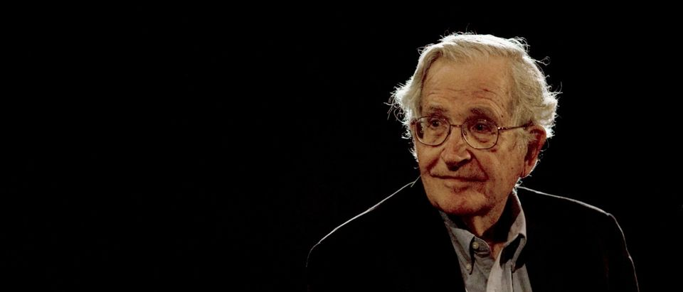 U.S. linguist and philosopher Noam Chomsky pauses while addressing the audience at the National Autonomous University's Educational Investigation Institute (UNAM) in Mexico City September 21, 2009. REUTERS/Jorge Dan | Dem Operative Leads Teacher Protests Az