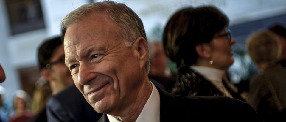 Scooter Libby, former Vice President Dick Cheney's former Chief of Staff, mingles before a ceremony to unveil a marble bust of Cheney in the US Capitol in Wshington, December 3, 2015. REUTERS/James Lawler Duggan | Trump Pardons Scooter Libby