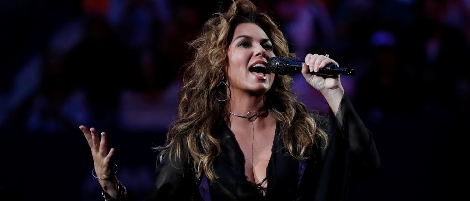 Country singer Shania Twain performs during the U.S. Open opening ceremony August 28, 2017. REUTERS/Shannon Stapleton