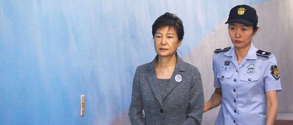 South Korean ousted leader Park Geun-hye arrives at a court in Seoul, South Korea, August 25, 2017. REUTERS/Kim Hong-Ji