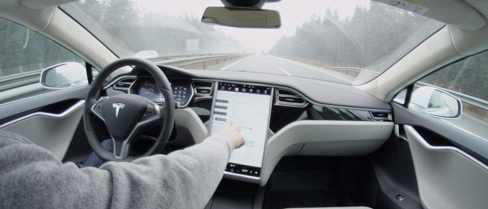 TeslaAutoPilotMuskVehicleAutonomous