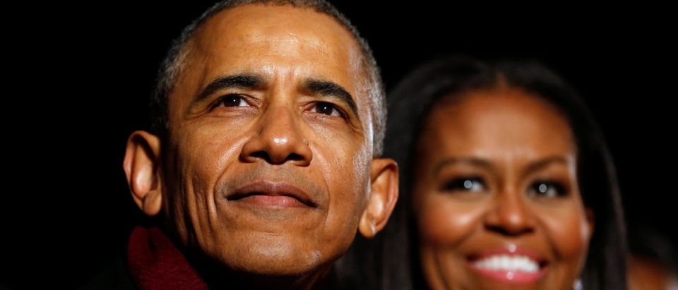 U.S. President Barack Obama and first lady Michelle Obama participate in the National Christmas Tree lighting in Washington, U.S., December 1, 2016. REUTERS/Jonathan Ernst | Obama Breaks Precedent, Criticizes Trump