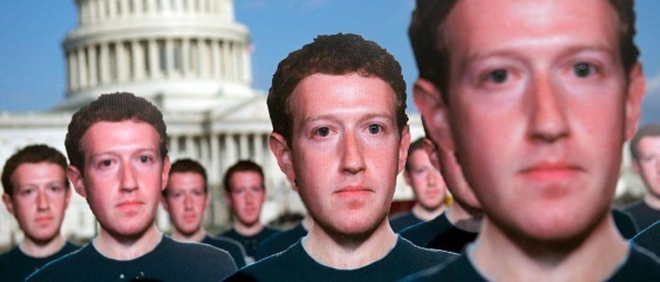 US-INTERNET-FACEBOOK-DEMONSTRATION