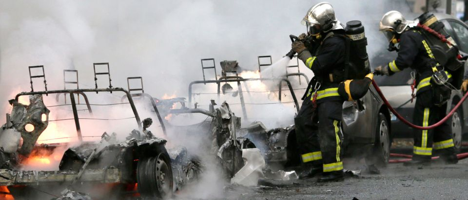 FRANCE-FIRE-ACCIDENT-AUTOLIB