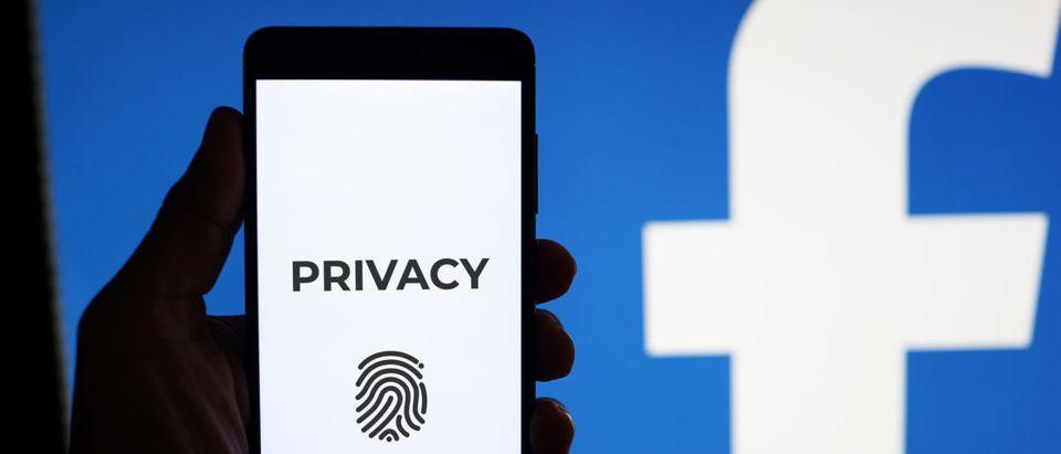 (Photo: Shutterstock.com) | Facebook Suspends 200 Apps