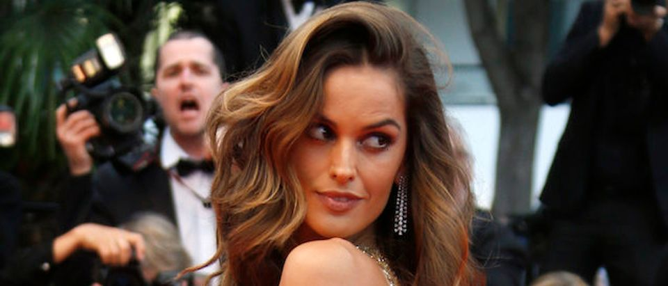 """71st Cannes Film Festival - Screening of the film """"Burning"""" (Beoning) in competition - Red Carpet Arrivals - Cannes, France May 16, 2018. Izabel Goulart arrives. REUTERS/Regis Duvignau"""
