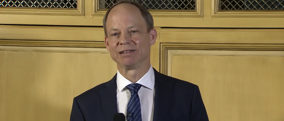 Judge Aaron Persky speaks at a news conference in May 2018. (YouTube screenshot/CBS Evening News) | Judge Aaron Persky Faces Recall In June
