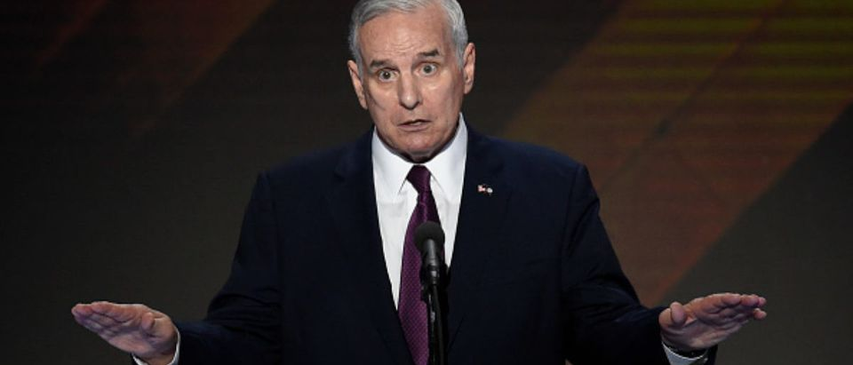 Minnesota Governor Mark Dayton speaks during the final day of the 2016 Democratic National Convention on July 28, 2016, at the Wells Fargo Center in Philadelphia, Pennsylvania. (Photo: Saul Loeb/AFP/Getty Images) | MN Governor Calls GOP Tax Cuts 'Crumbs'