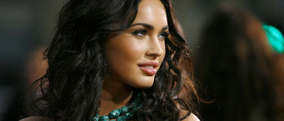 """Actress Megan Fox poses at the premiere of the movie """"Eagle Eye"""" at the Grauman's Chinese theatre in Hollywood, California September 16, 2008. The movie opens in the U.S. on September 26. REUTERS/Mario Anzuoni"""