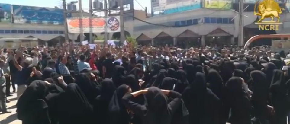 IRAN, May. 16, 2018. Protests Continue in City of Kazerun (Screenshot, YouTube)