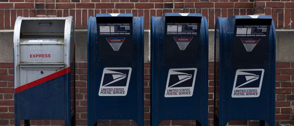 USPS_Mail_On_The_Street