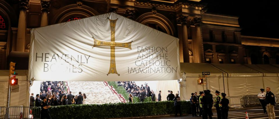 "The arrivals area for the Metropolitan Museum of Art Costume Institute Gala (Met Gala) to celebrate the opening of ""Heavenly Bodies: Fashion and the Catholic Imagination"" is seen in the Manhattan borough of New York, U.S., May 7, 2018. REUTERS/Brendan McDermid - RC1F8D0A1170"