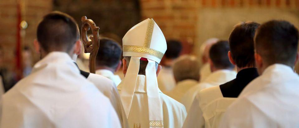 Bishop Leads Mass (Shutterstock/wideonet)