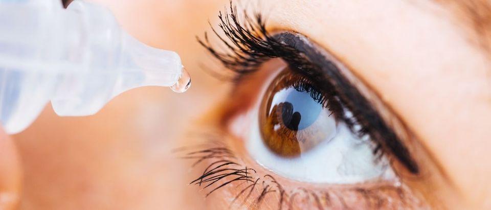 eye drops Shutterstock/ShutterDivision