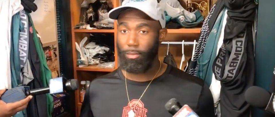 Eagles safety Malcolm Jenkins gives silent press conference./Screenshot