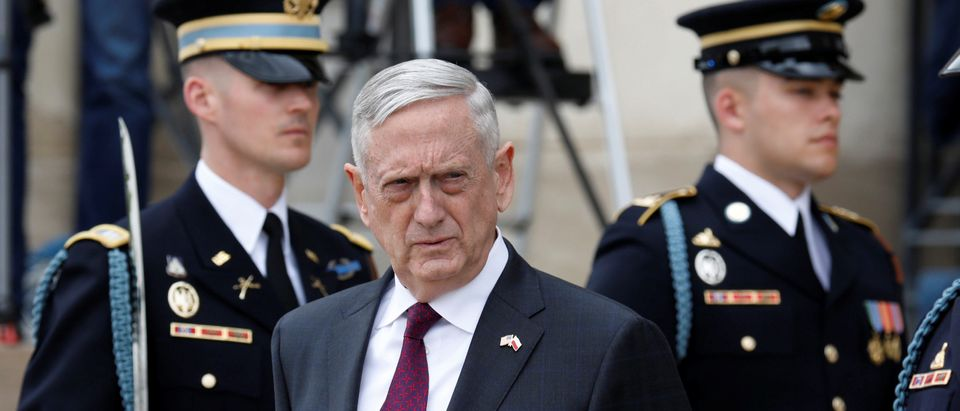 U.S. Defense Secretary James Mattis waits to welcome Polish Defense Minister Mariusz Blaszczak at the Pentagon in Arlington, Virginia, U.S., April 27, 2018. REUTERS/Yuri Gripas - RC1E9B1FDFF0
