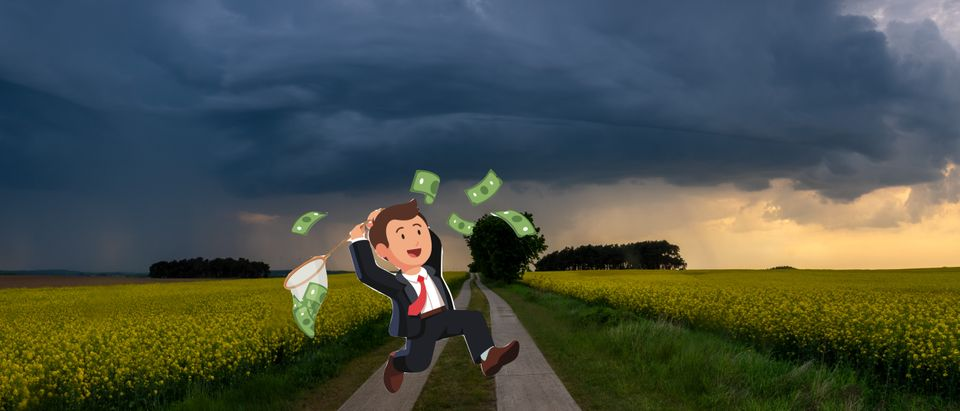 Impending fiscal storm in the USA, Shutterstock/ By Mike Mareen