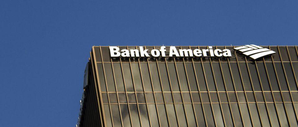 Richard Overton, the nation's oldest living World War II veteran, regained his bank funds that had been stolen. (Shutterstock)