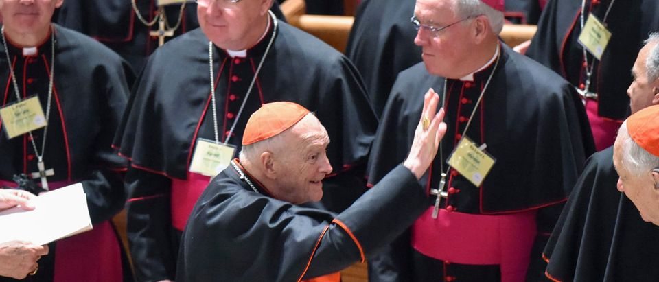 Cardinal Archbishop Emeritus Theodore McCarrick waves to fellow bishops as attends the midday prayer service at the Cathedral of St. Matthews in Washington September 23, 2015. REUTERS/Jonathan Newton/Pool
