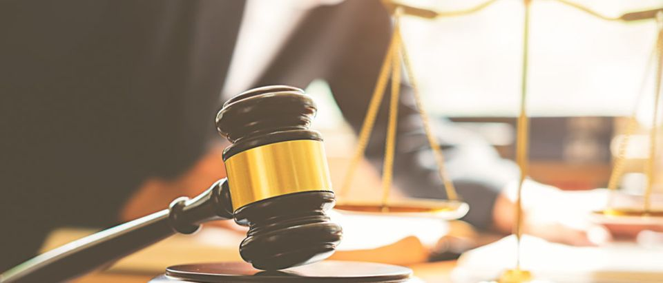 Gavel_Scales_Justice_Court