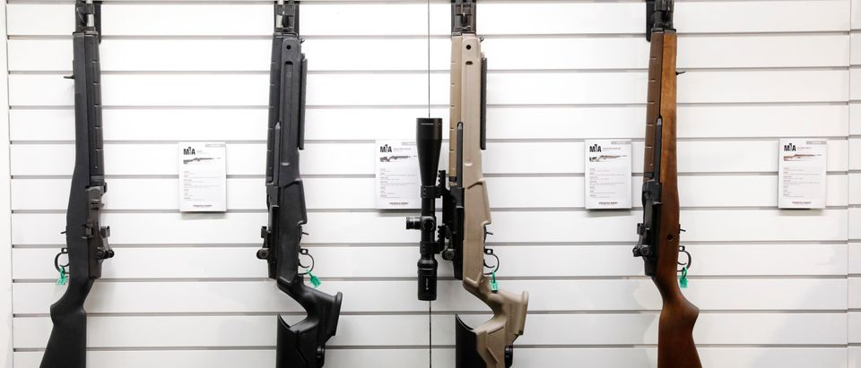 Guns are displayed during the annual NRA convention in Dallas, Texas (05/06/18, Reuters, Lucas Jackson)