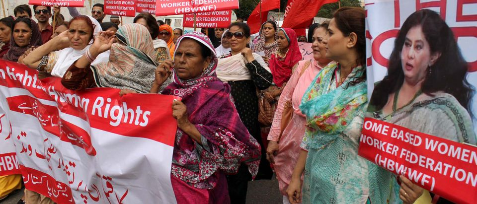 Pictured are Pakistan protesters. (Shutterstock/Asianet-Pakistan)