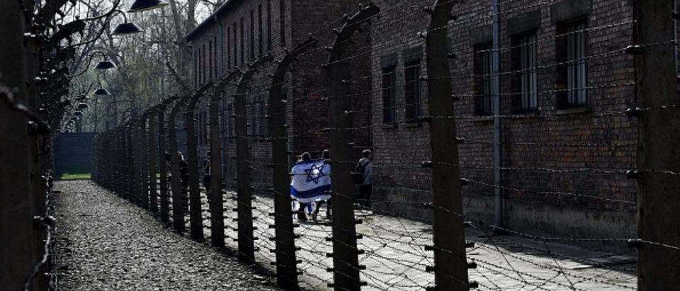 TOPSHOT-POLAND-WWII-HOLOCAUST-HISTORY