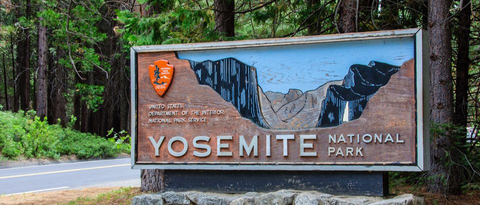 Welcome entrance sign in the Yosemite National Park, California.